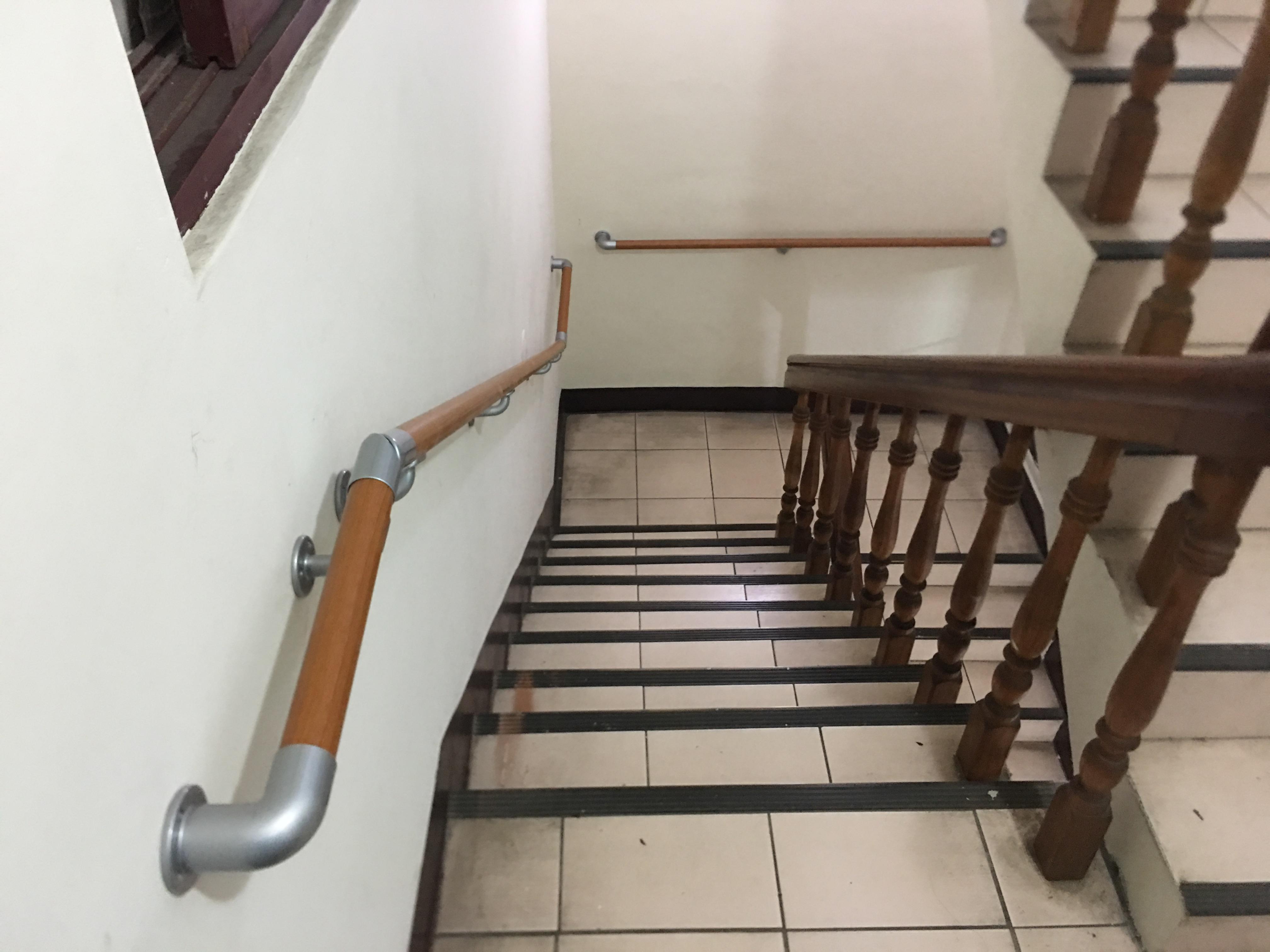 樓梯扶手(連續扶手)